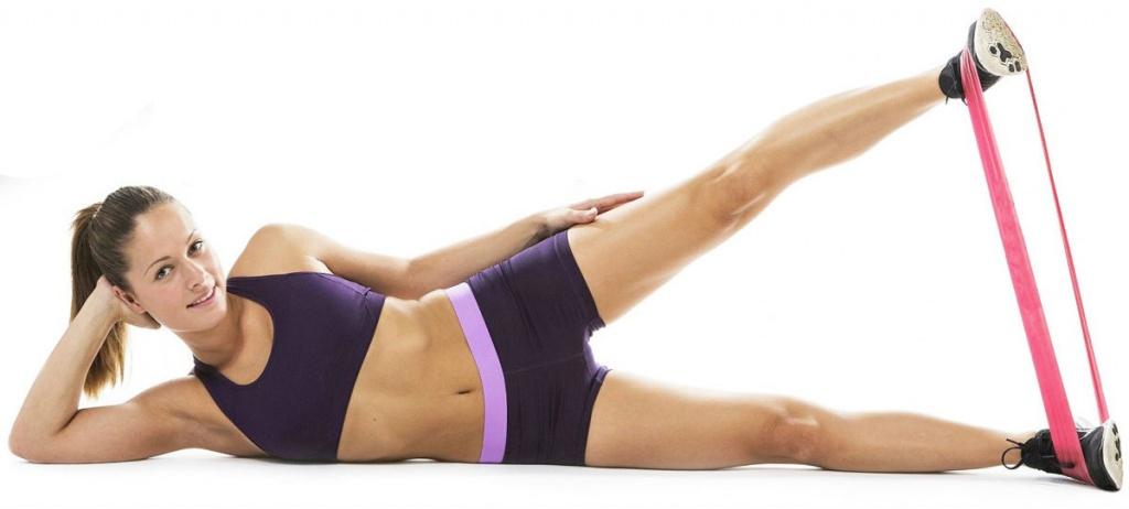 Упражнение с фитнес резинкой