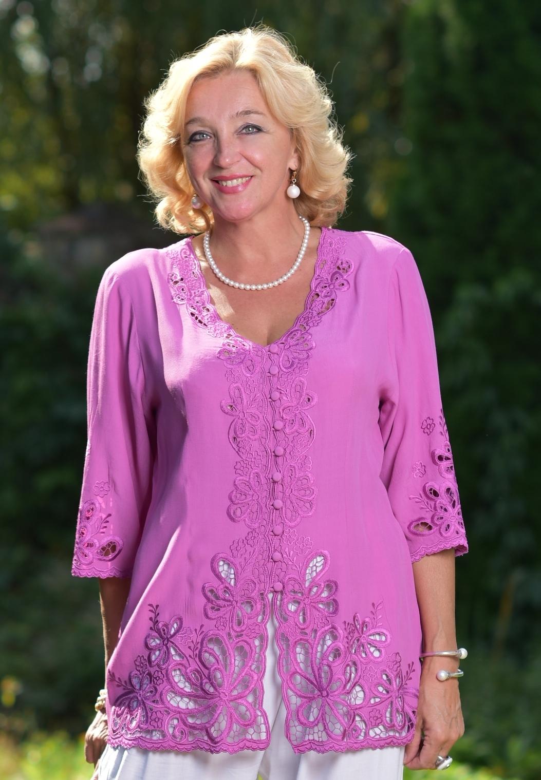 блузка для женщин после 50 лет