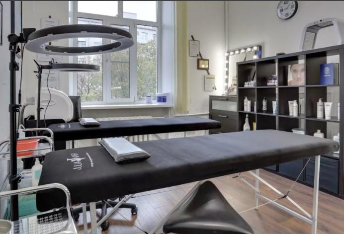 Подготовка рабочего места мастера по перманентному макияжу