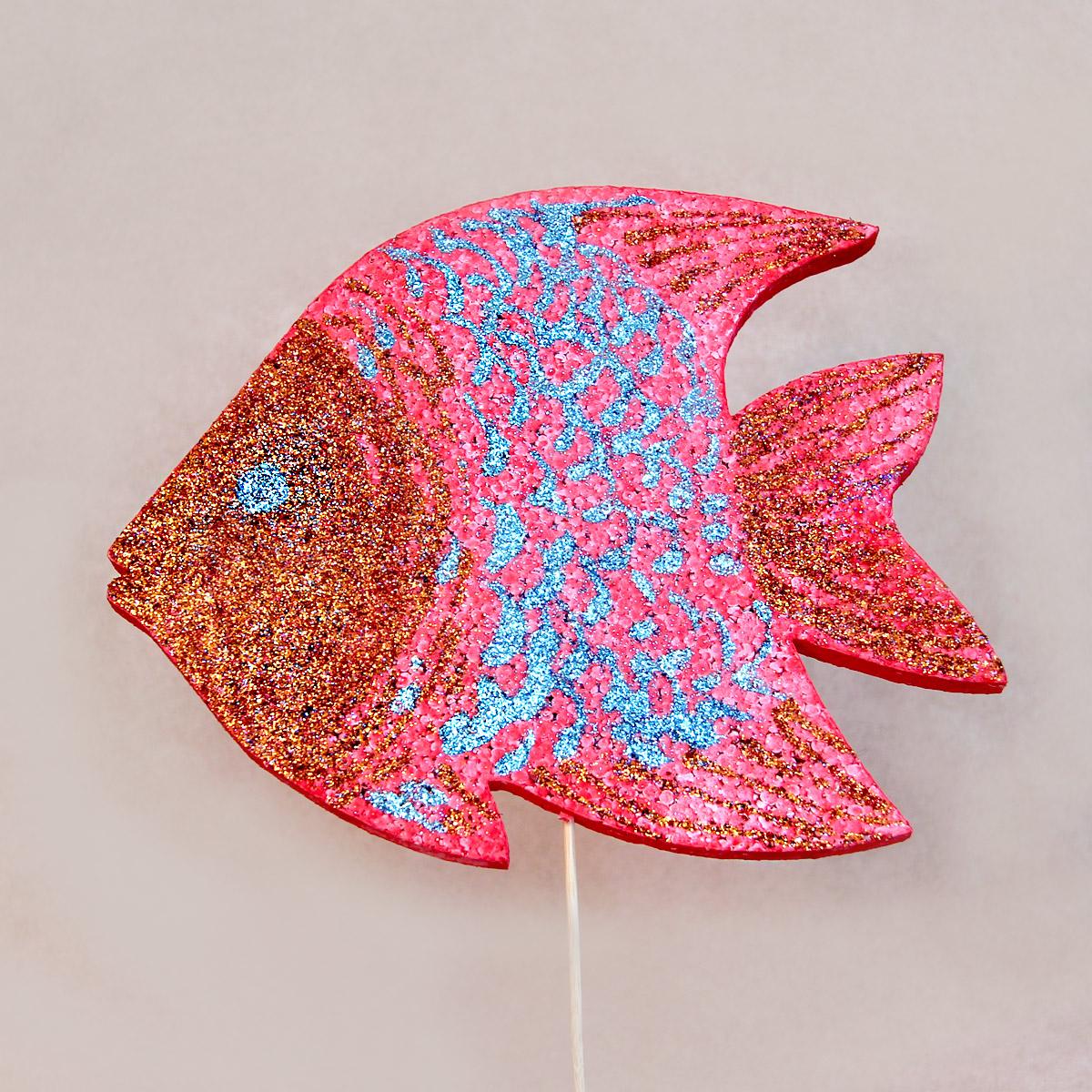 Декорированная рыбка из пенопласта