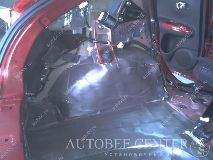 isolation-auto_Nissan_Juke_017.jpg