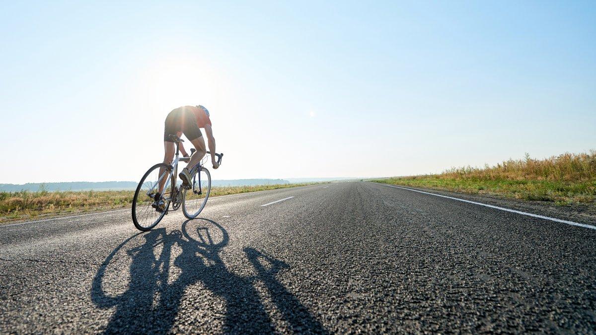 Велосипедист на довгій дистанції