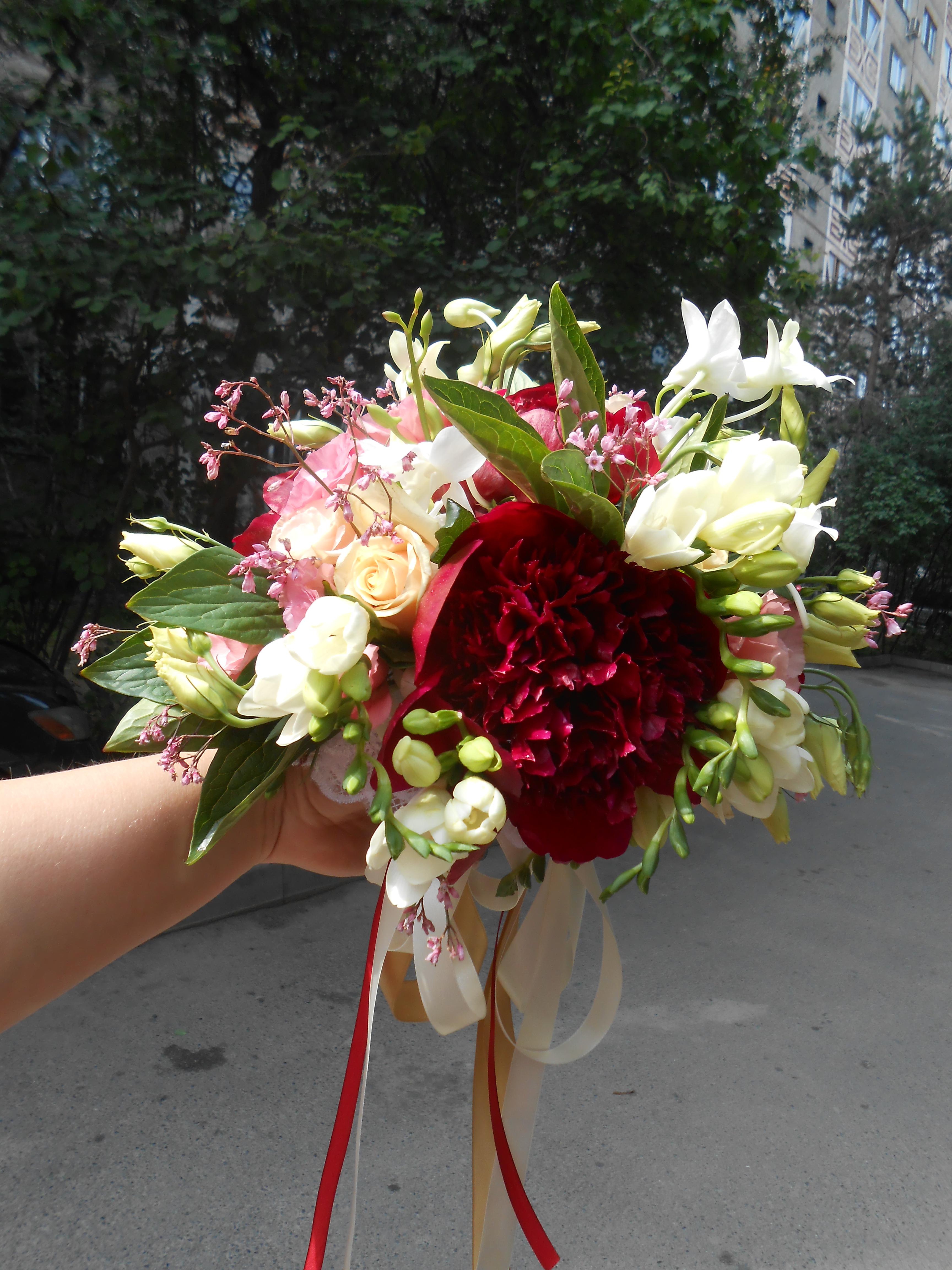 Букет_для_невесты__пионы.jpg