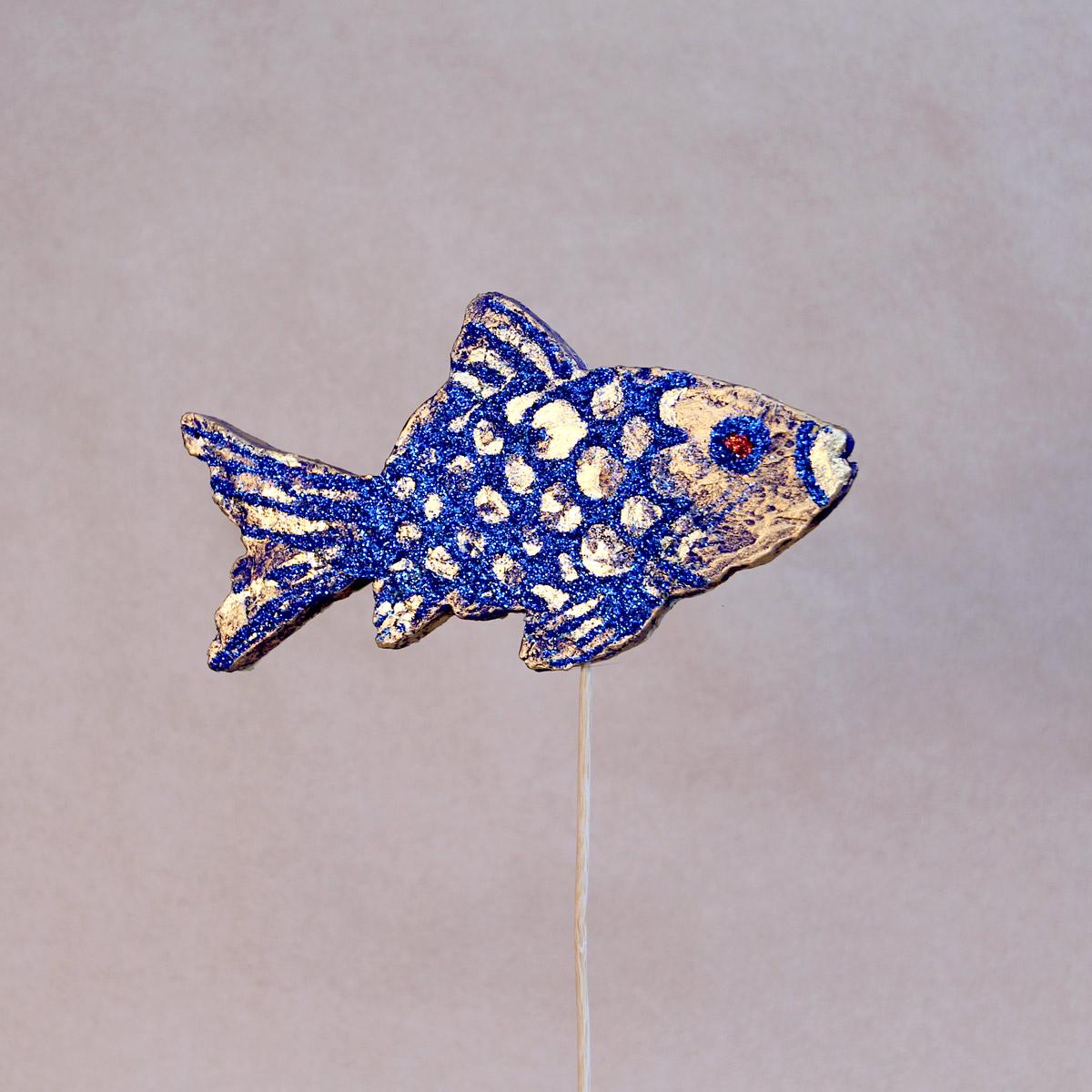 Рыбка из пенопласта.
