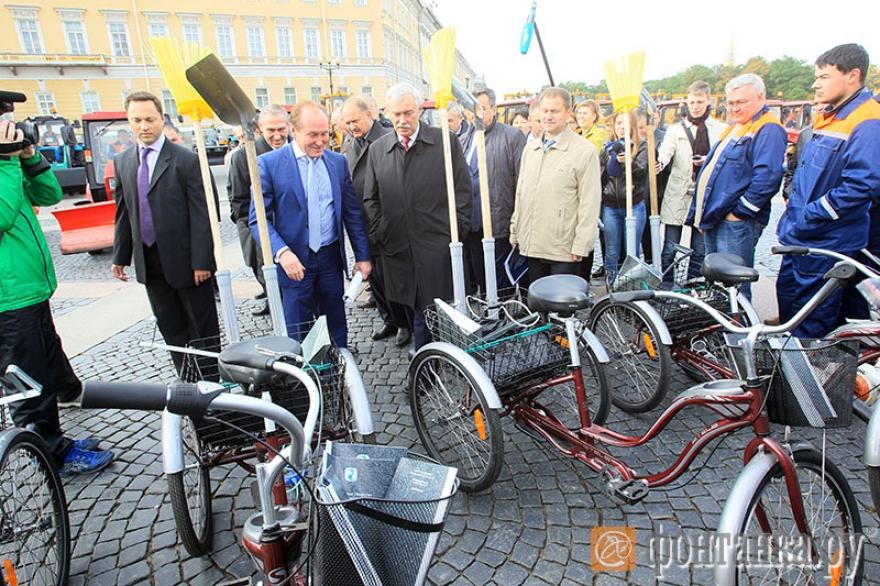 dvornik-na-velosipede-spb2.jpg