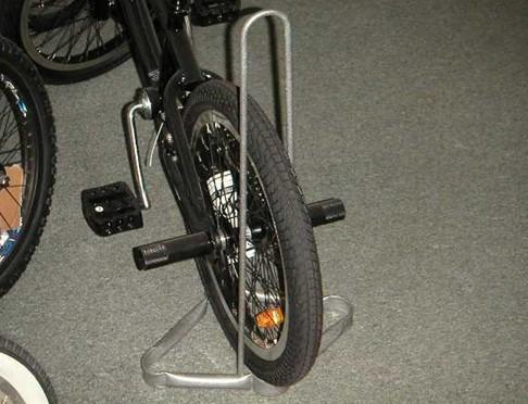 напольная подставка под велосипед