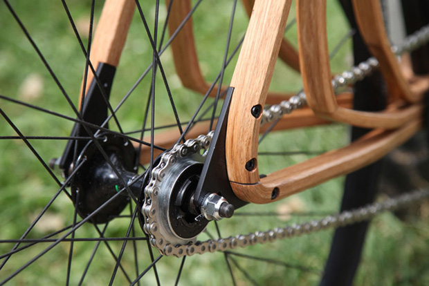 schmutz-wooden-bicycle-1.jpg