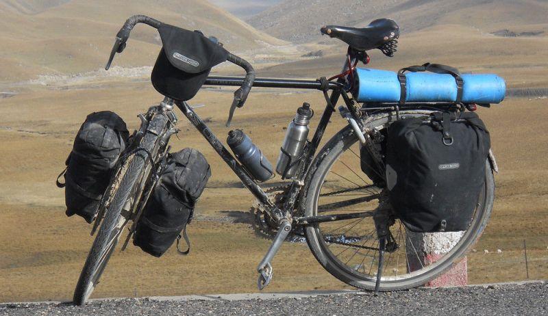 Велосипед с передним и задним багажником