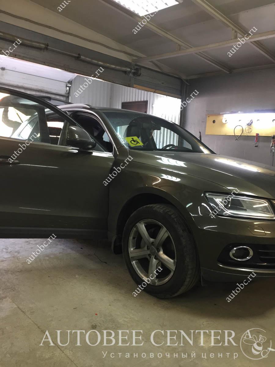 Audi Q3 (установка видео-регистратора)