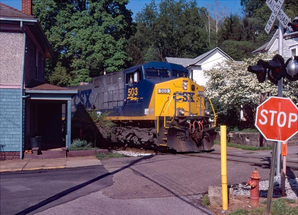 локомотив GE AC4400CW фото