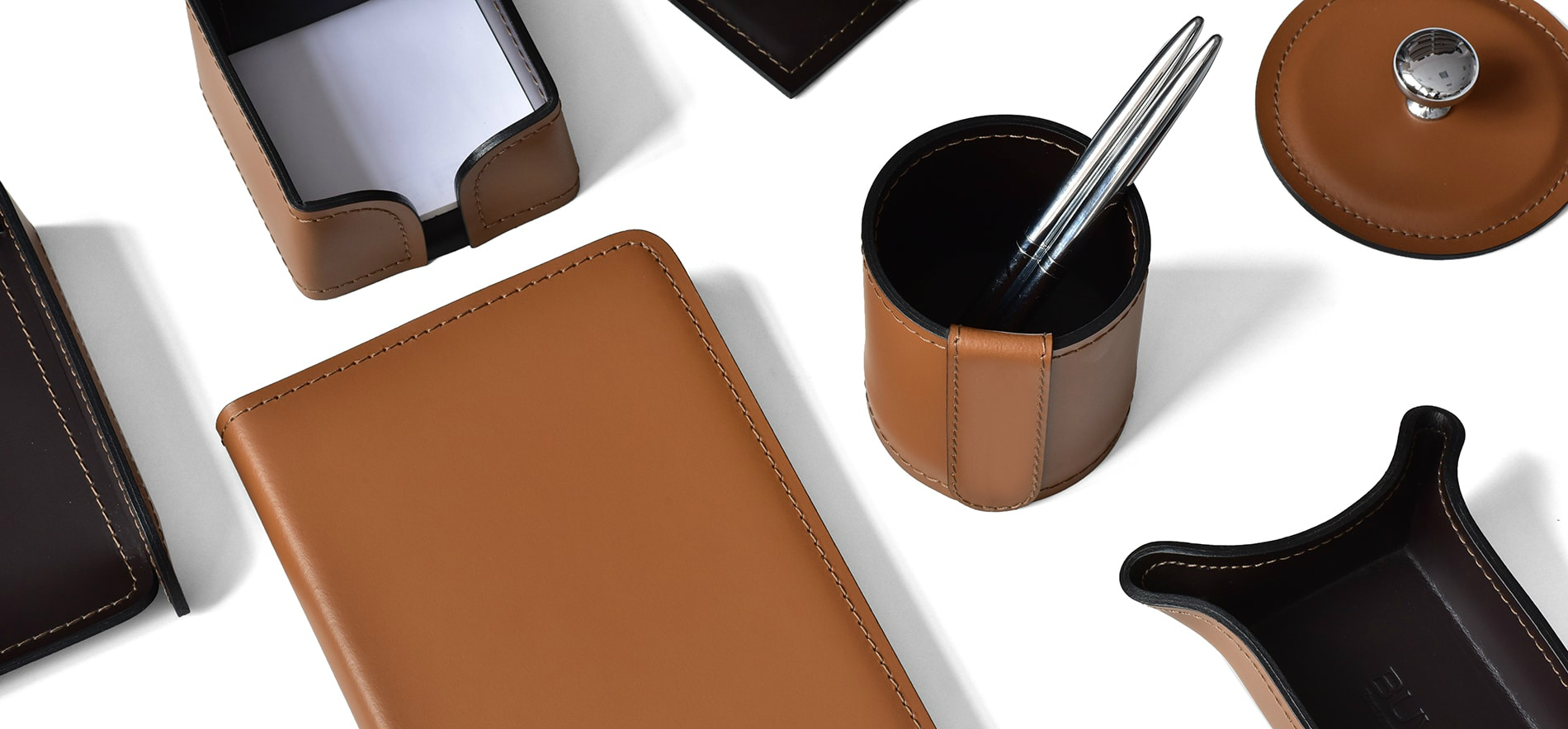 Настольный набор из кожи Cuoietto цвет табак и в сочетании с кожей цвет шоколад