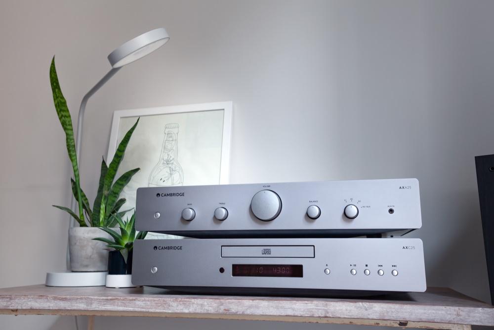Интегральный усилитель Cambridge Audio AXA25