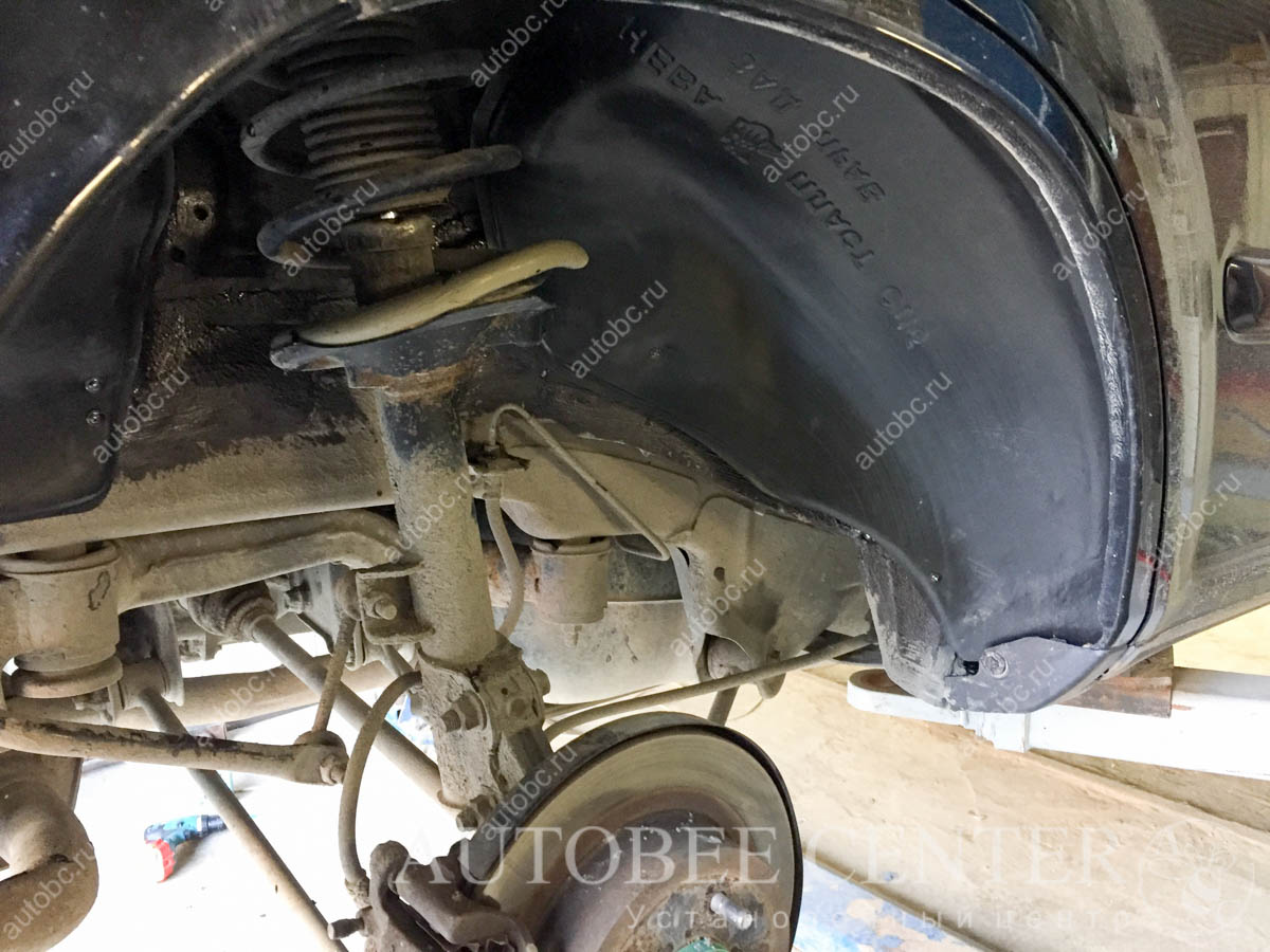 Nissan X-Trail Т31 (шумоизоляция арок)