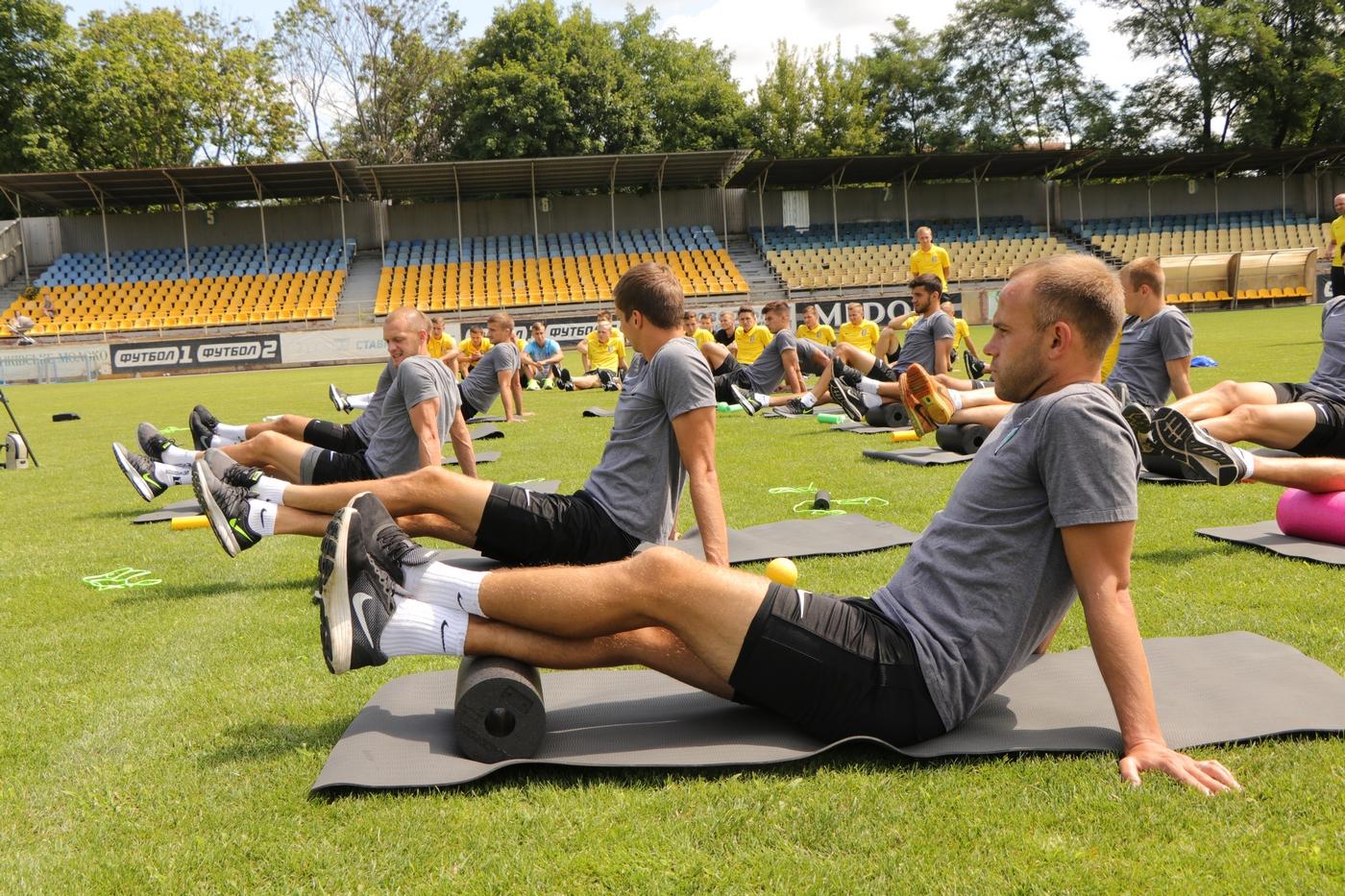 Ранковий тренінг для футболістів від BLACKROLL