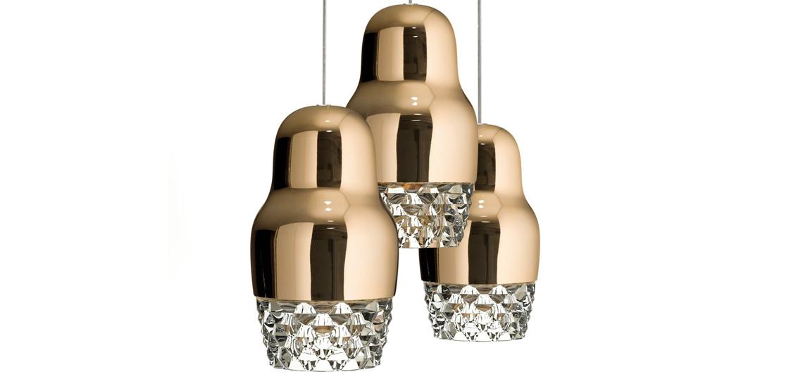 Для Axo Light Дима создал светильник Fedora, который, наконец, выпущен в этом году в подвесной и встраиваемой версиях. Яркая отделка глянцевым металлом и хрустальный пояс добавляют «матрешке» выразительности, делая из весьма функционального светильника еще и яркий арт-объект.