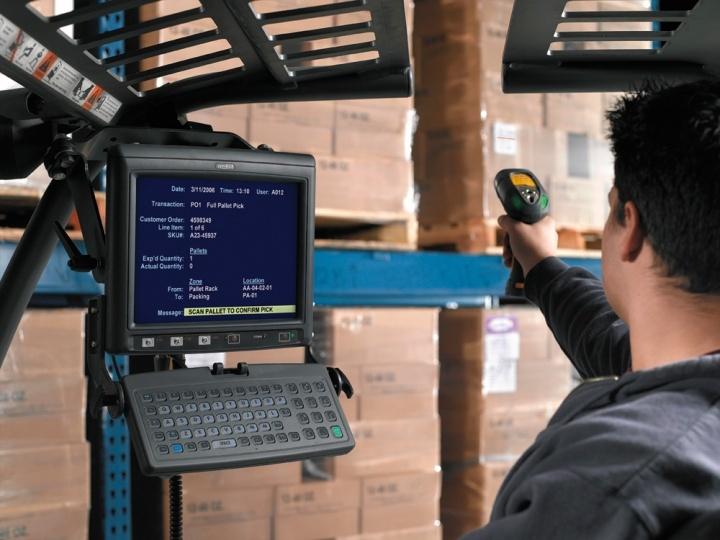 Автономный сканер штрихкодов в паре с мобильным терминалом