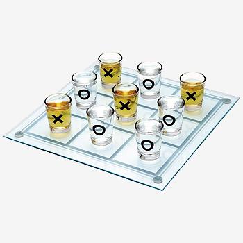 Алкогольная игра «Крестики-нолики с рюмками»