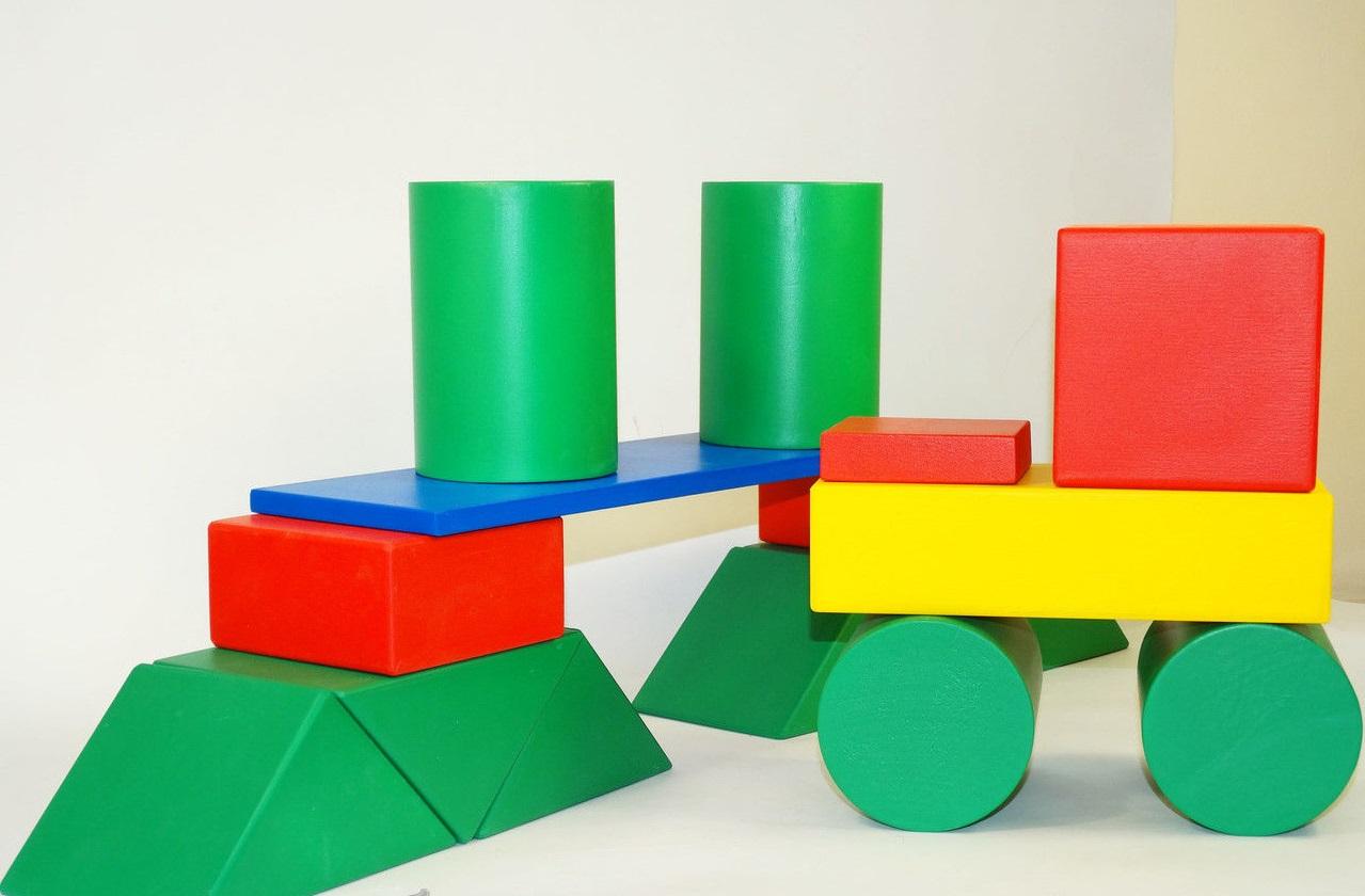 Деревянный конструктор,деревянный конструктор строитель, конструкторы,деревянные конструкторы для детей,конструктор из дерева