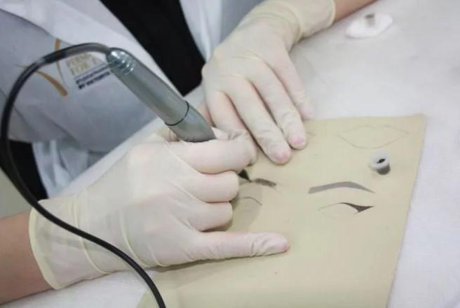 Тренировка навыков мастера татуажа