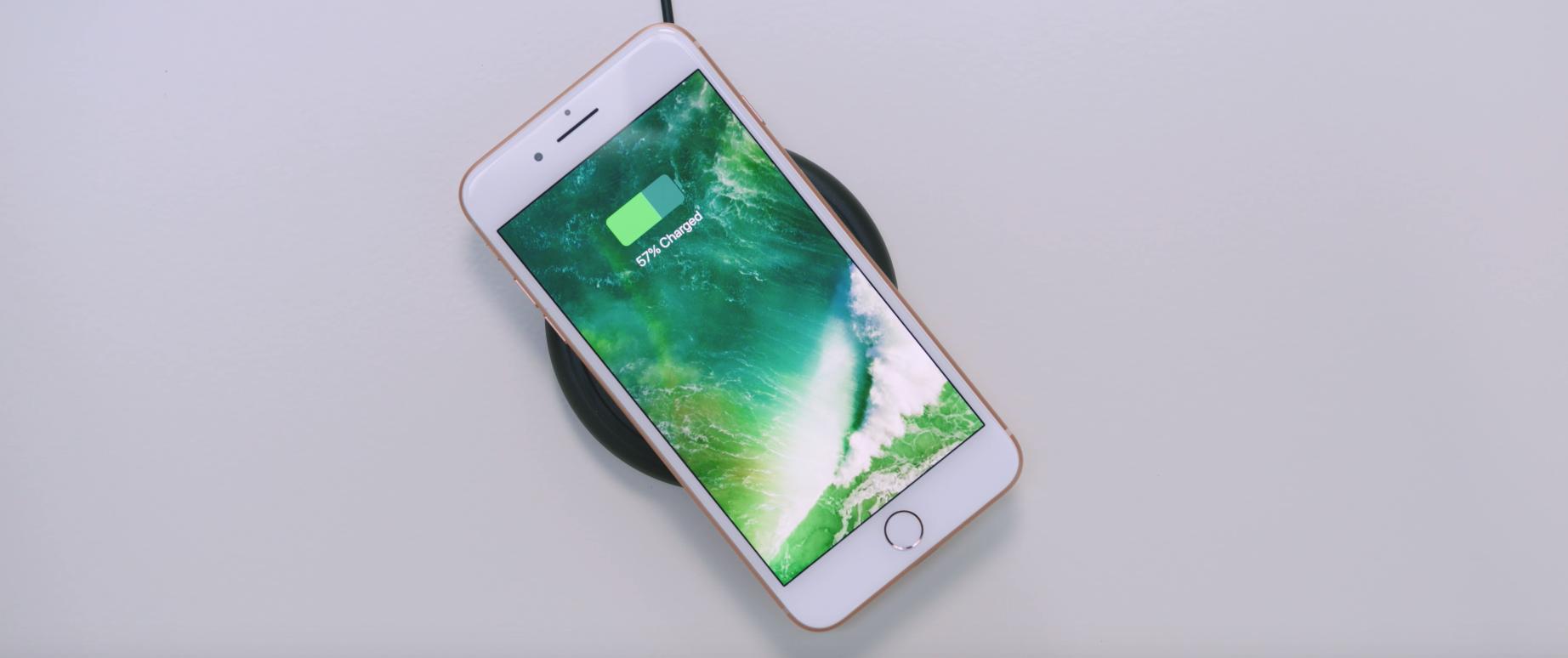 iPhone 8 Plus использования беспроводной зарядки стандарта Q