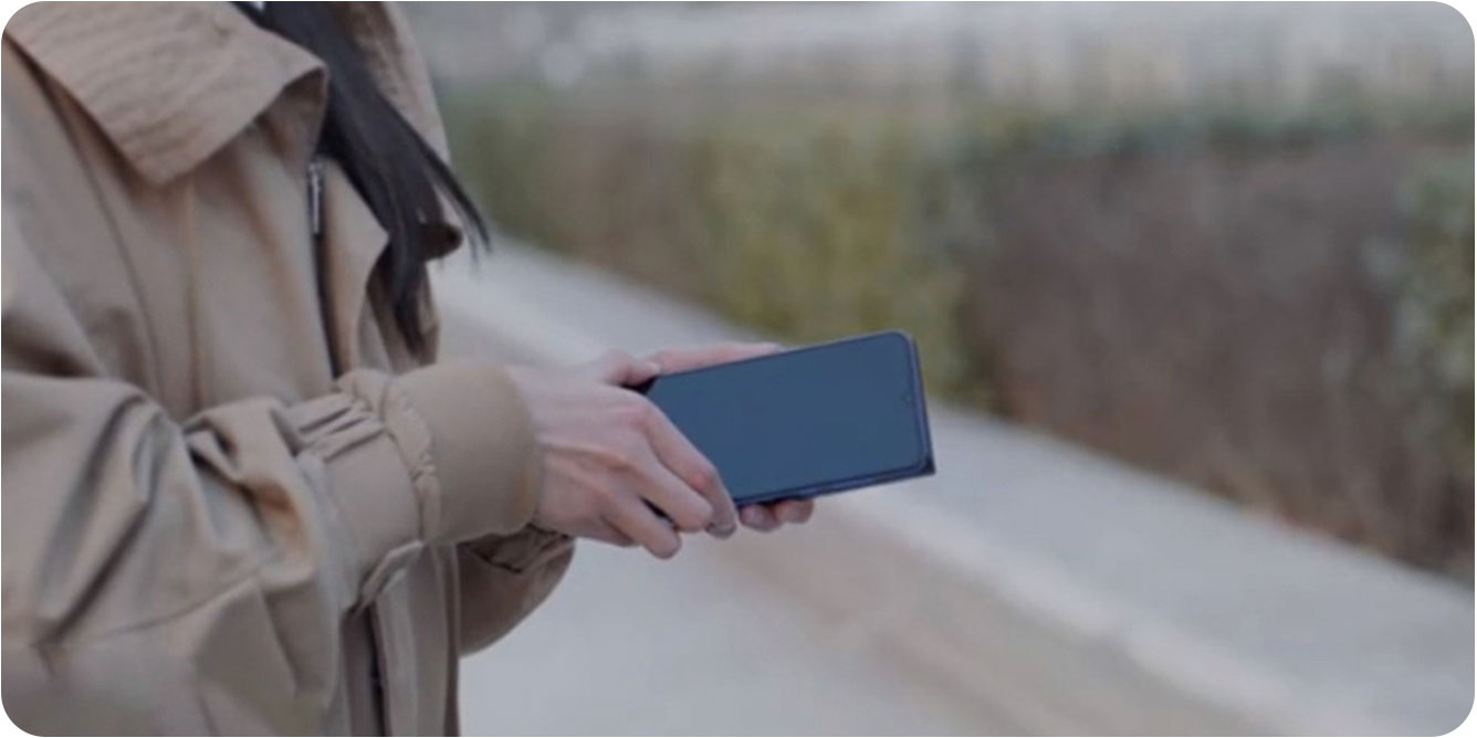 Внешний-аккумулятор-c-функцией-беспроводной-зарядки-Xiaomi-Mi-Wireless-Power-Bank-10000-мАч_2.jpg