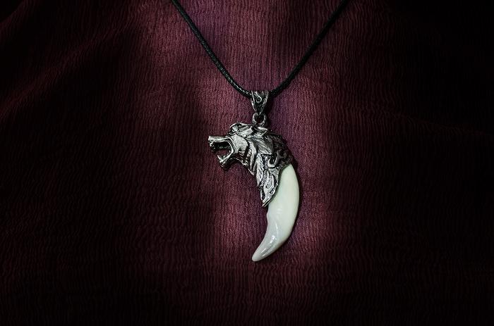 Амулет Клык волка (кулон талисман оберег волчий клык)