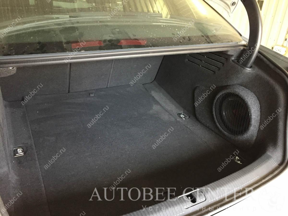 Audi A4 (сабвуфер Стелс)
