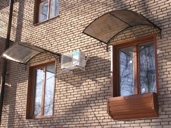 kozyrek-inad-oknom_2.jpg