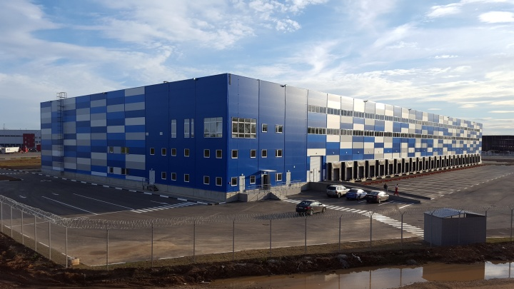 Местом приобретения права собственности на импортируемый товар может быть таможенный склад