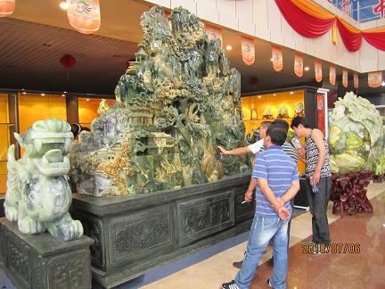 Выставка на фестивале нефрита в Китае