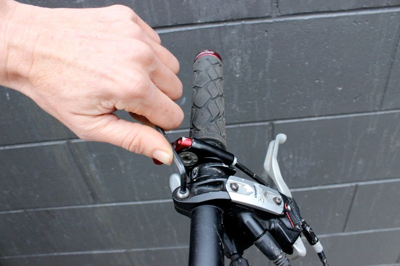ручка гидравлического тормоза велосипеда