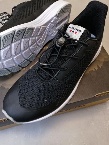 Кроссовки Viking купить в интернет-магазине Viking-Boots можно с доставкой до квартиры или до пункта выдачи транспортной компании.