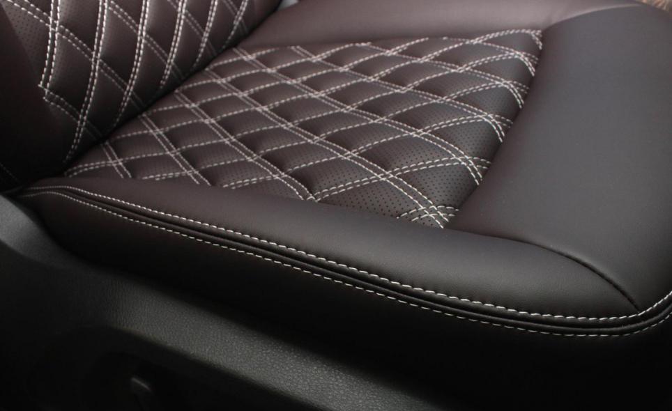 Пошив чехлов для сидений автомобиля