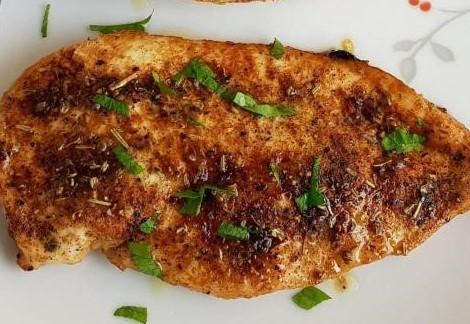 Жареная курица на сковороде по-флорентийски