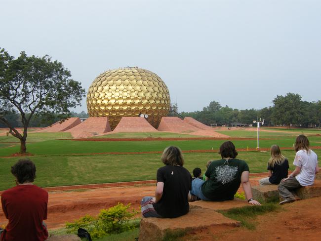 город Ауровиль, Индия