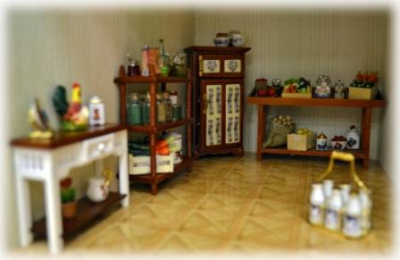 Темная комната в кукольном домике