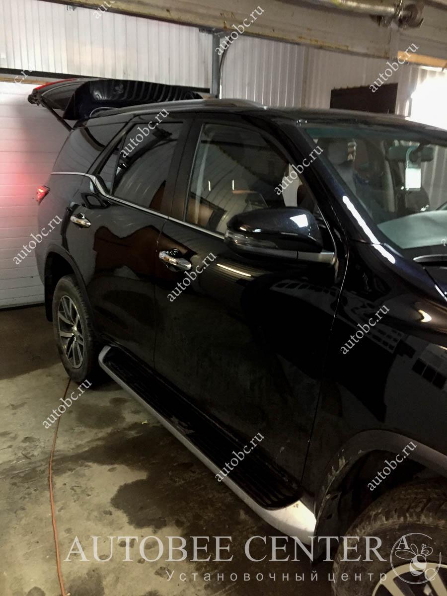 Toyota Fortuner (тонировка стекол)