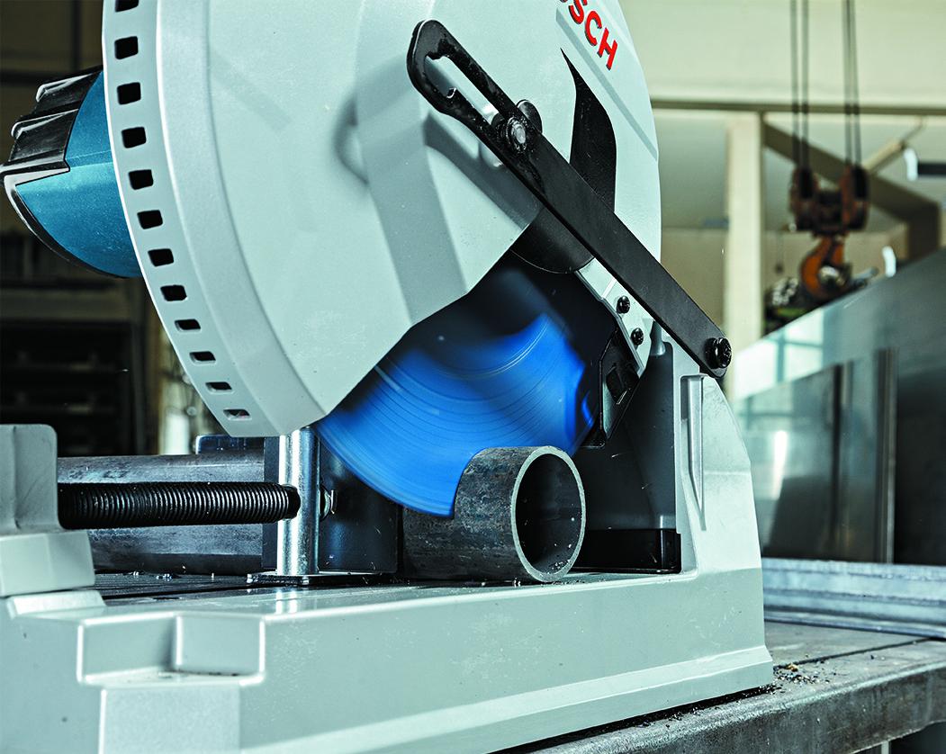 ТСТ диск по металлу Bosch в работе
