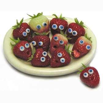 Миниатюрная еда с глазами Кивы Эткинсон