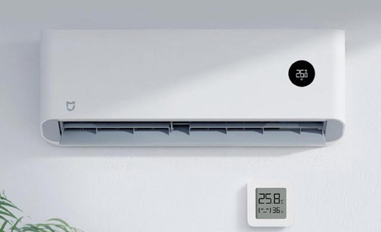 экранная панель создана из прочного оргстекла