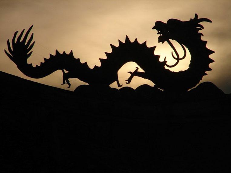 дракон на стене