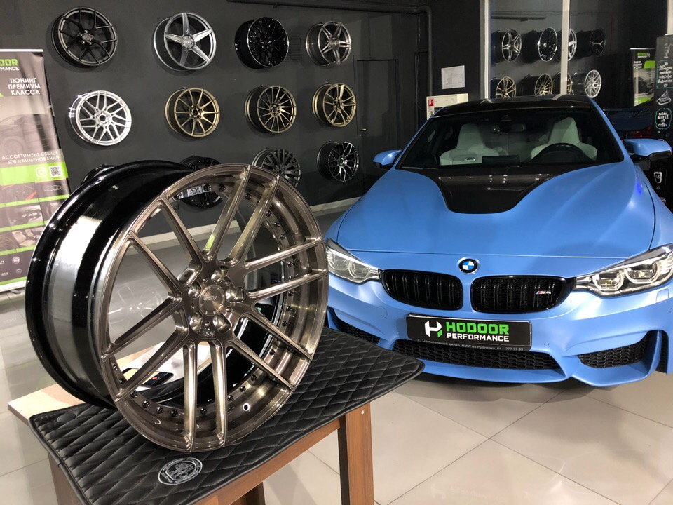 BMW M4 + ADV.1