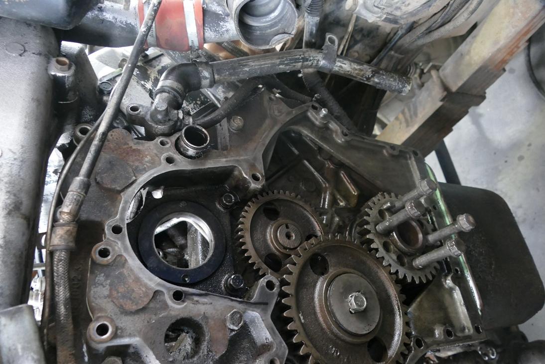 Текущий и капитальный ремонт двигателей, системы охлаждения, системы выпуска газов