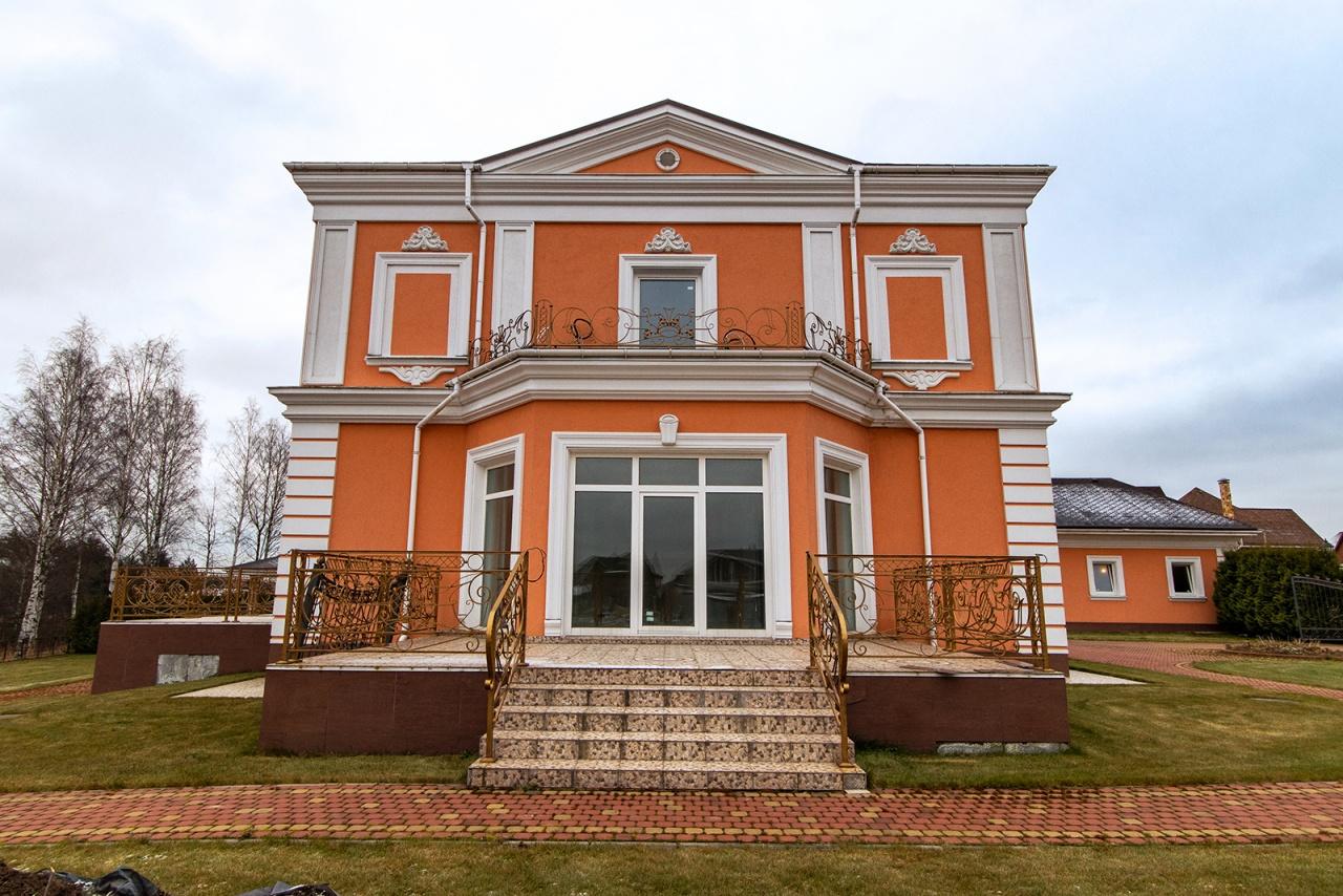 Декор фасада дома из ППУ