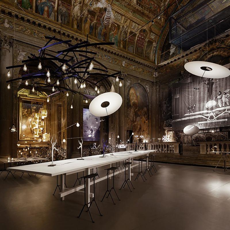 Инсталляция Ingo Maurer в Милане