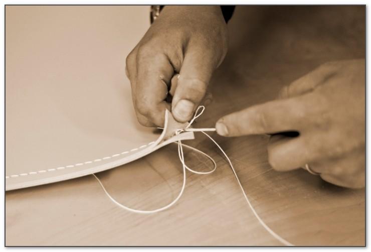 Свои морские узлы для кожаных бюваров - секрет производства.