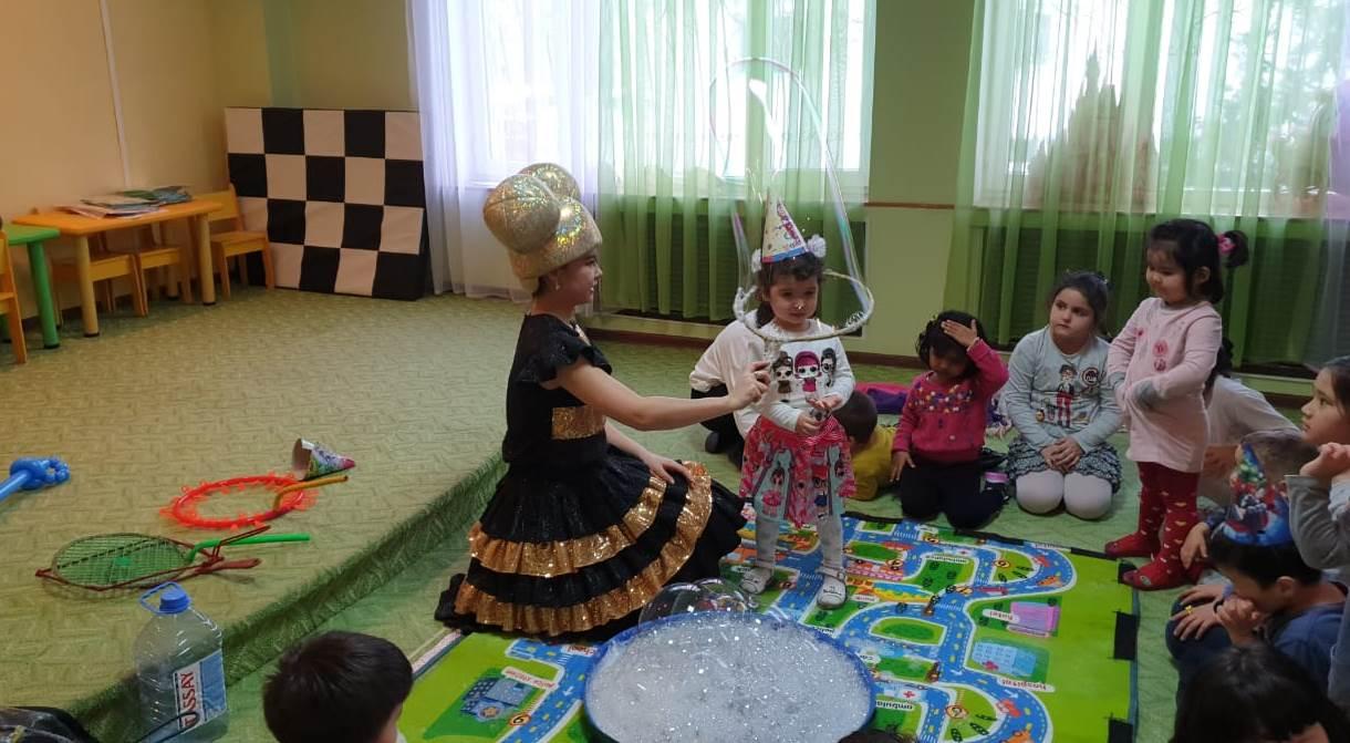 Кукла_лол_и_шоу_мыльных_пузырей_Алматы.jpg