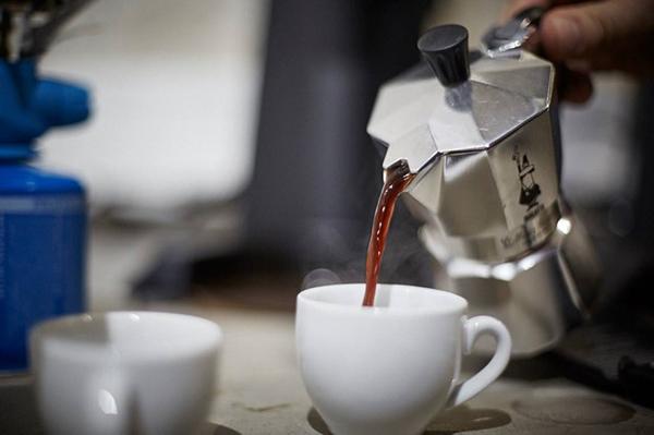 фото гейзерной кофеварки