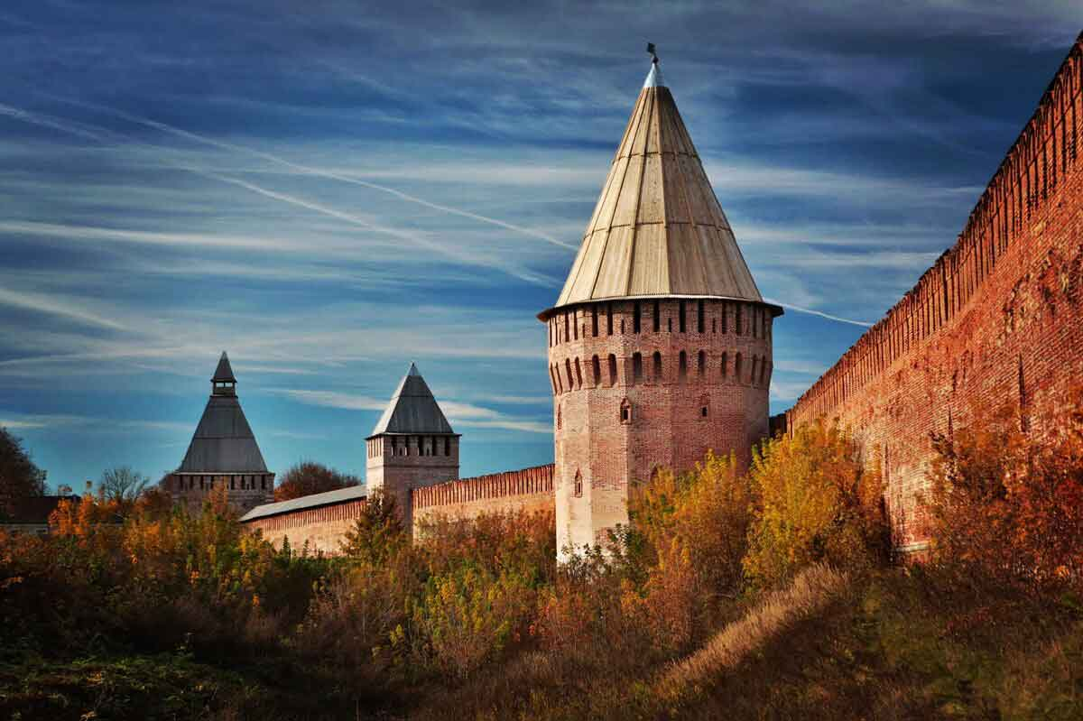Продажа биноклей с доставкой в Смоленск: Смоленский кремль