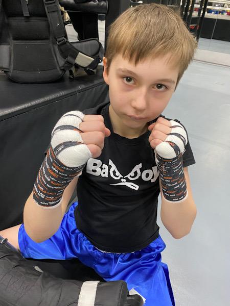 Тейпирование рук в боксе